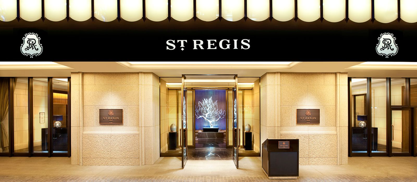 Hotel The St. Regis Osaka Japan