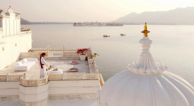 Example private tour: Enchanting Palaces and Golden Beach