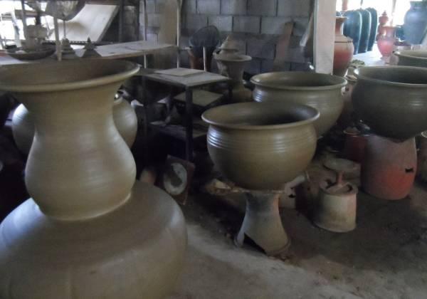 Baan Muang Goong Pottery