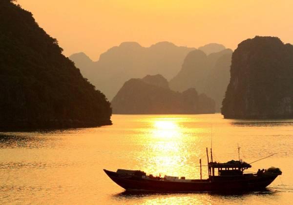 Long Boat Halong Bay