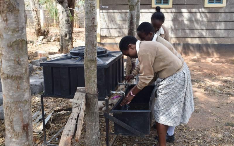 Hayes Jarvis Just a Drop Kiteta School Kenya