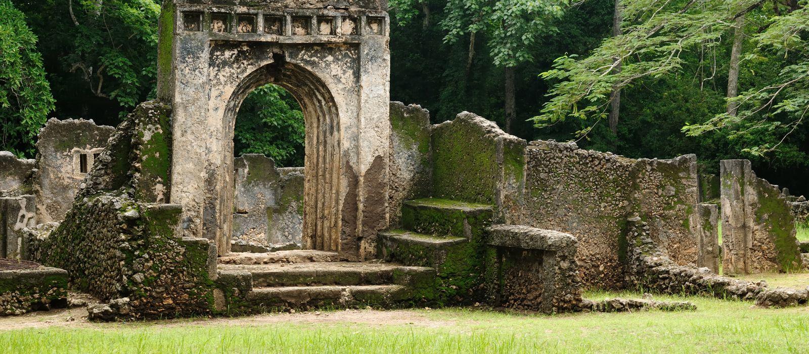Kenia, Gede-Ruinen, Überreste einer Swahili-Stadt in Gedi, einem Dorf nahe der Küstenstadt Malindi.