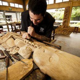 Enchanting Travels New Zealand Tours Rotorua Te Puia-Rotorua Carving School