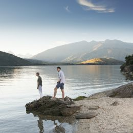 New Zealand_Lake_Wanaka_Julian_Apse