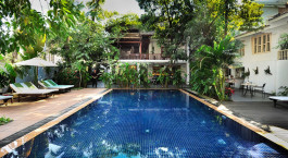 Enchanting Travels - Cambodia Tours -Phnom Penh - Villa Langka - Pool