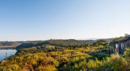 Aussicht auf die Umgebung des Elephant Hide of Knysna Guest House, Garden Route in Südafrika