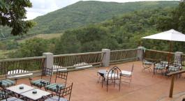 Terrasse der Chestnut Country Lodge in Hazyview, Südafrika