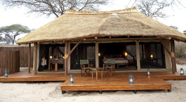 Exterior- Oliver's Camp Hotel in Tansania, Tarangire