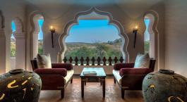 Leseraum im Evolve Back Kamalapura Palace Hampi Hotel in Hampi, Südindien