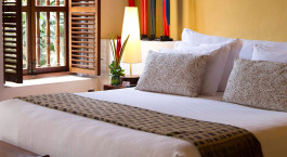 Enchanting Travels - Colombia Tours - Cartagen - Hotel Quadrifolio - bedroom