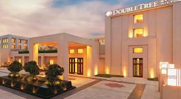 Außenansicht des DoubleTree by Hilton Agra Hotel in Agra, Nordindien