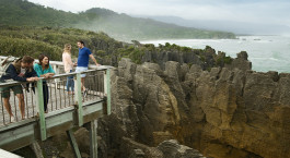 Enchanting Travels New Zealand Punakaiki_Pancake_Rocks_West_Coast