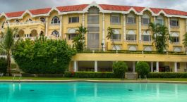 Pool im The Gateway Hotel Ambad in Nashik, Zentral- & Westindien