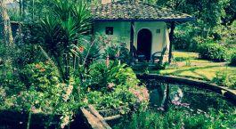 Enchanting Travels - Ecuador Reisen - Otavalo - Hacienda Cusin - Draußen