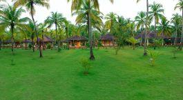 Enchanting Travels - Südindien Reisen -Nattika Beach Resort - Außenansicht