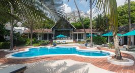 Pool im Diani Blue Hotel in Südküste, Kenia