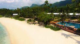 Außenansicht des Avani Seychelles Barbarons Resort & Spa Hotel in Mahe, Seychellen