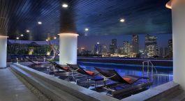 Pool im Hotel Pullman G in Bangkok, Thailand