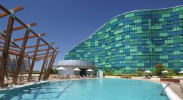 Enchanting Travels UAE Tours Abu Dhabi Hotels Hilton Capital Grand pool
