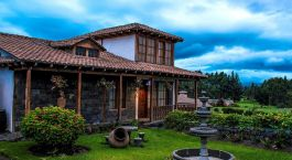 Außenansicht des Hosteria La Andaluza Hotel in Riobamba, Ecuador