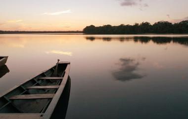 Sonnenuntergang im Dschungel Puerto Maldonado, Peru