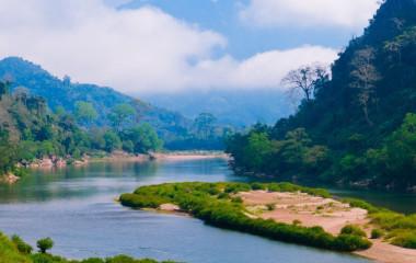 Flussdelta in Nong Khiaw