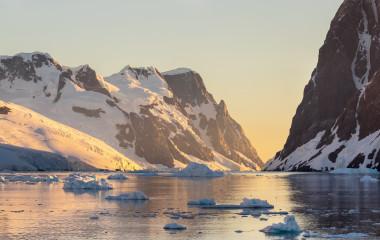 Lemaire Channel Antarctic Peninsula, Antarctica