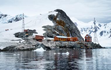 Forschungsstation in der Paradise Bay, Antarktis