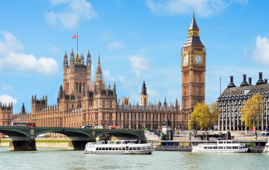 Enchanting Travels UK & Ireland Tours Westminster palace and Big Ben, London, UK