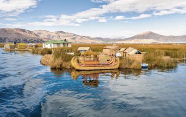 Puno-Traditional-Reed-boat lakeTiticaca-Peru-Uros-South-America