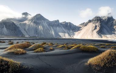 Wunderschöne Aussicht auf Stokksnes und Vestrahorn in Island