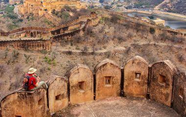 Defensive walls of Jaigarh Fort on Aravalli Hills near Jaipur, R