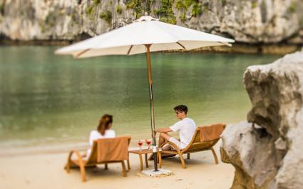 Enchanting Travels Vietnam Tours Halong Bay Bhaya Cruise Visit To Beach - 2