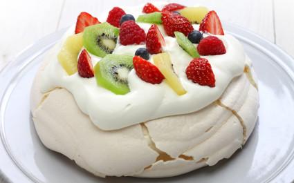 Enchanting Travels New Zealand tours pavlova, meringue cake, New Zealand Australian dessert