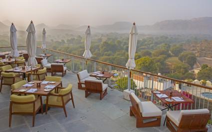 Enchanting Travels India Tours Rajasthan Hotels Raas Devigarh Restaurant Deck Img3