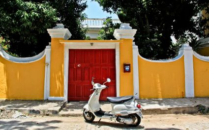 Colorful Pondicherry offers French-style architecture and cuisine. - India travel guide