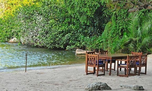 Asilia - Rubondo - Lake Beach Dining