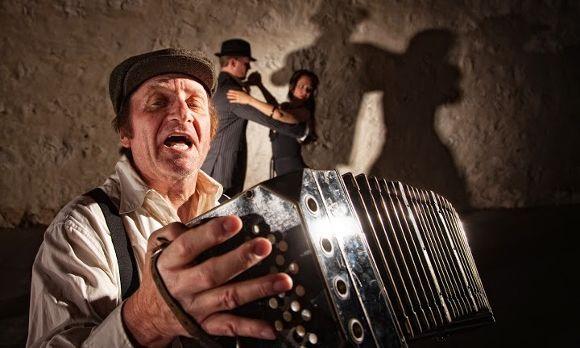 Akkordeon, ursprünglich die einzige Begleitung beim Tango.