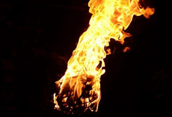 Feuer Performances sind ein fester Bestandteil des Kandy Perahera