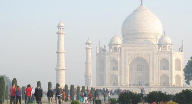 Beautiful Taj Mahal at dawn