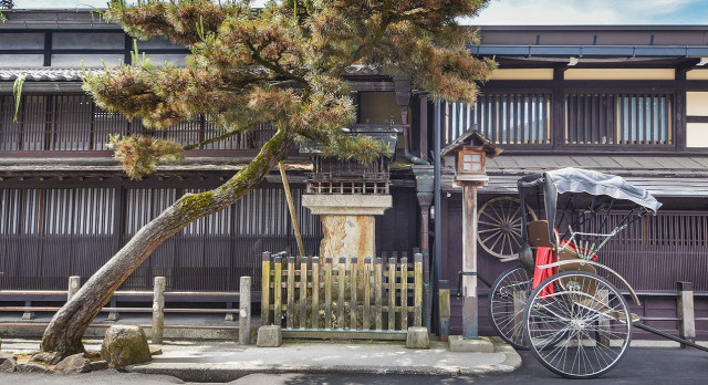 Enchanting-Travels-Japan-Tours-Old street in historical city Takayama