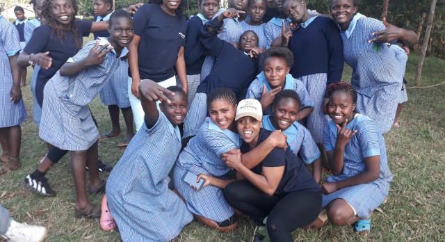 Enchanting Travels Team Dagoretti Girls Rehab Centre mit Mitgliedern der