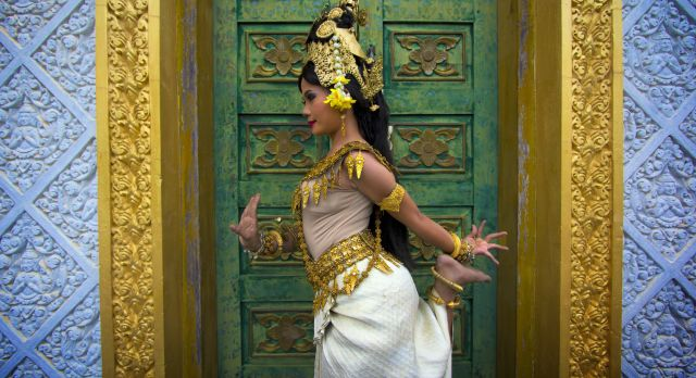 Keeping Traditions Alive: Apsara Dance Classes, Cambodia