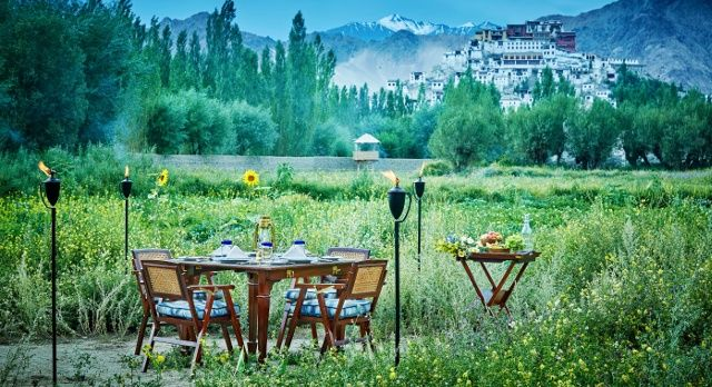 enchanting-travels-the-ultimate-travelling-club-leh-3