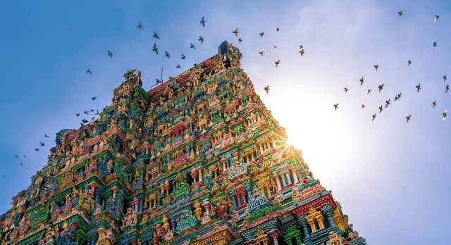 Visit Meenakshi Temple of Madurai on your South India vacation