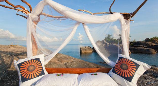 Star bed at Nkwichi Lodge Lake Malawi - Mozambique - luxury African safari
