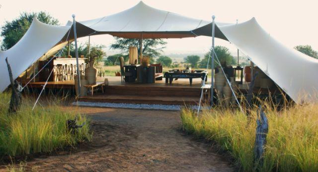 Sayari-Camp-lounge-tent-Serengeti-lodge
