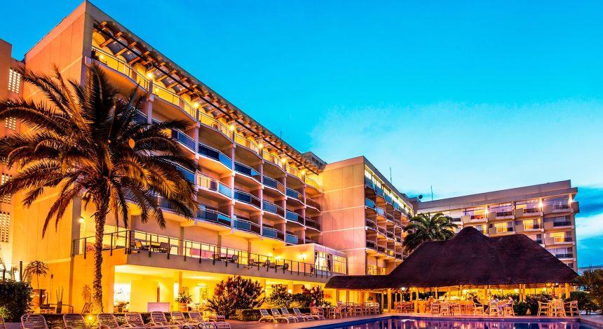 Hotel des Milles Collines-Außenansicht