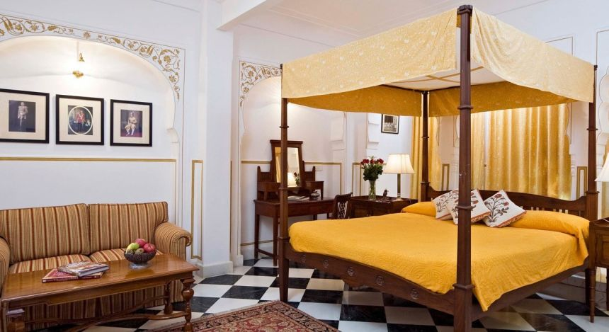Enchanting Travels - India Tours - Jaipur - Samode Haveli - bedroom