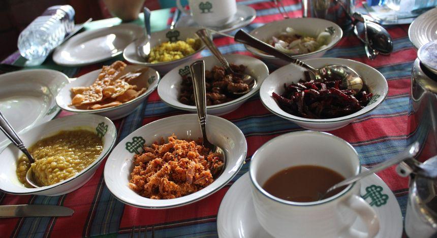 Auswahl an Currys in Sri Lanka